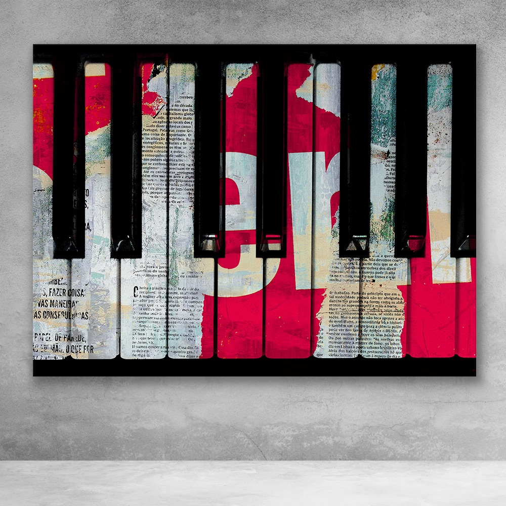 Piano Decollage